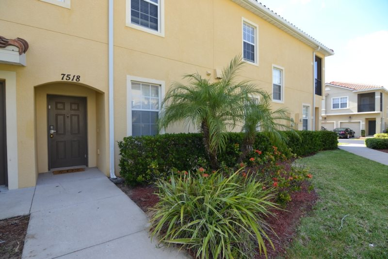3 Bed 2 bath EV137 Oakwater Condo image